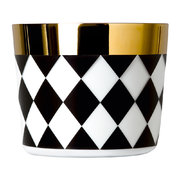 sip-of-gold-champagne-goblet-black-white-check