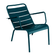 luxembourg-low-armchair-acapulco-blue
