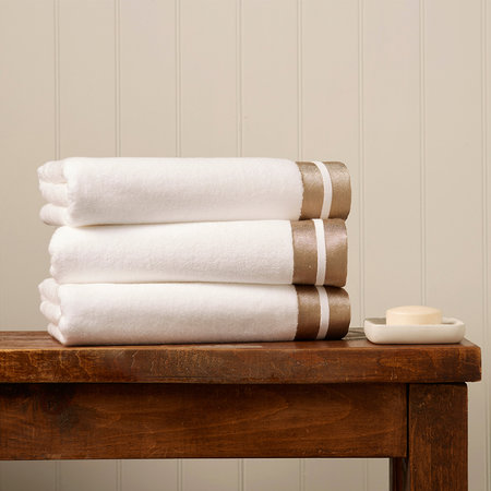 Christy - Mode Towel - White/Gold - Hand Towel