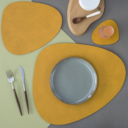LIND DNA - Hippo Curve Table Mat - Curry - Large
