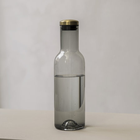 MENU - Bottle Carafe - 1L - Smoke/Brass