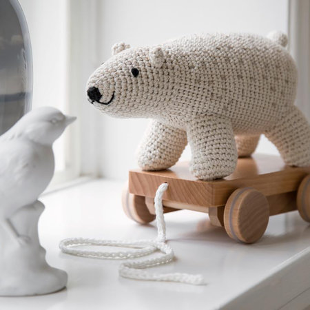 Sebra - Crochet Pull-along Toy - Polar Bear