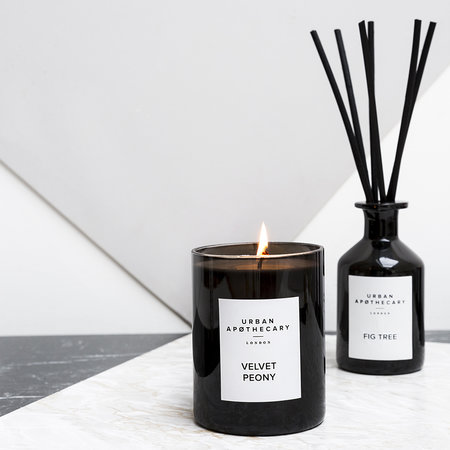 Urban Apothecary London - Luxury Scented Candle - Black Glass - Rose Voile