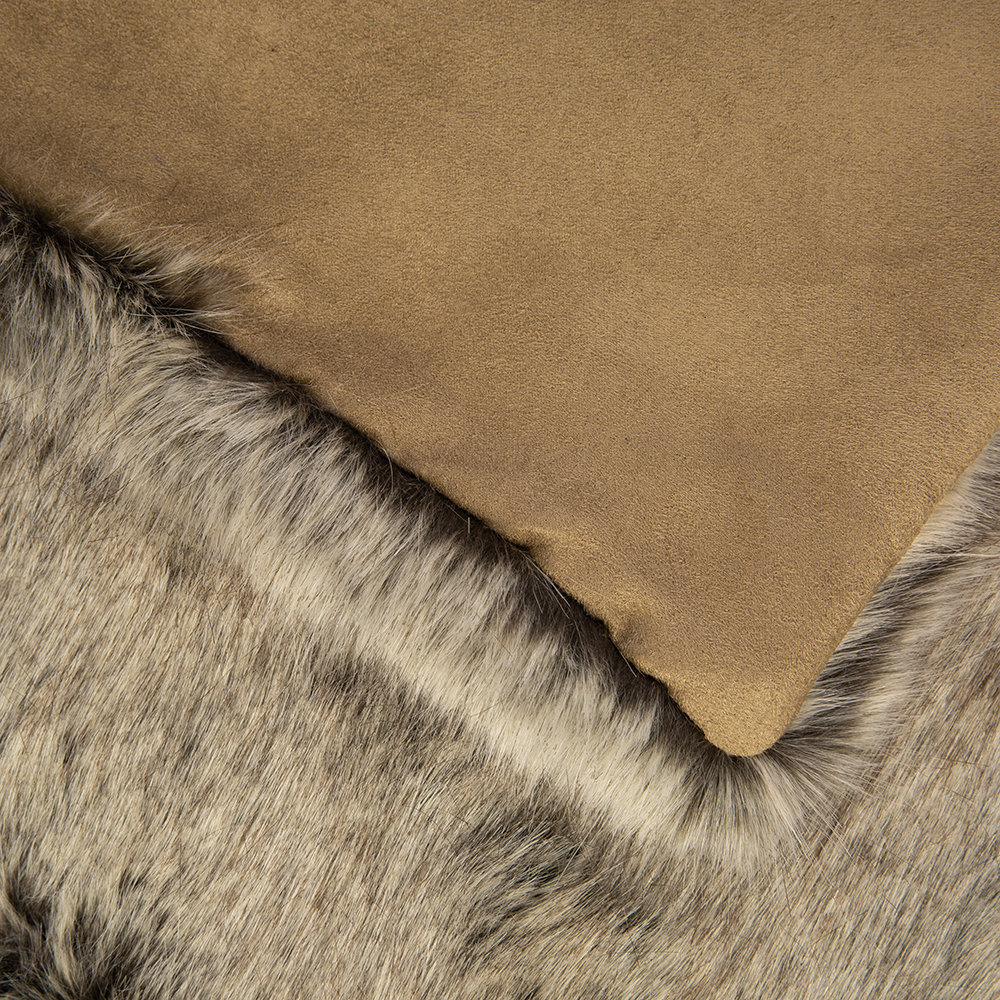 Helen Moore - Faux Fur Throw - 180x145cm - Signature Truffle