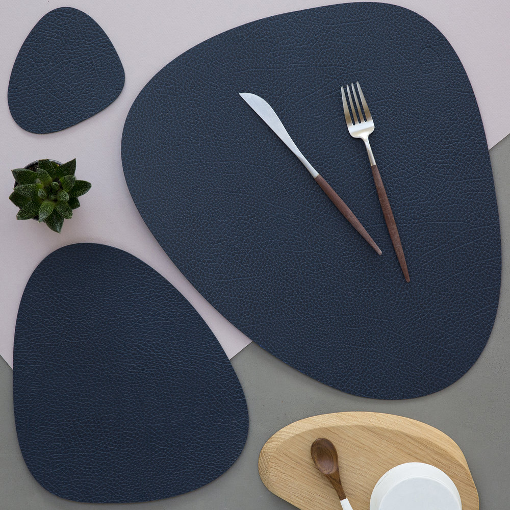 LIND DNA - Hippo Curve Table Mat - Navy Blue - Small