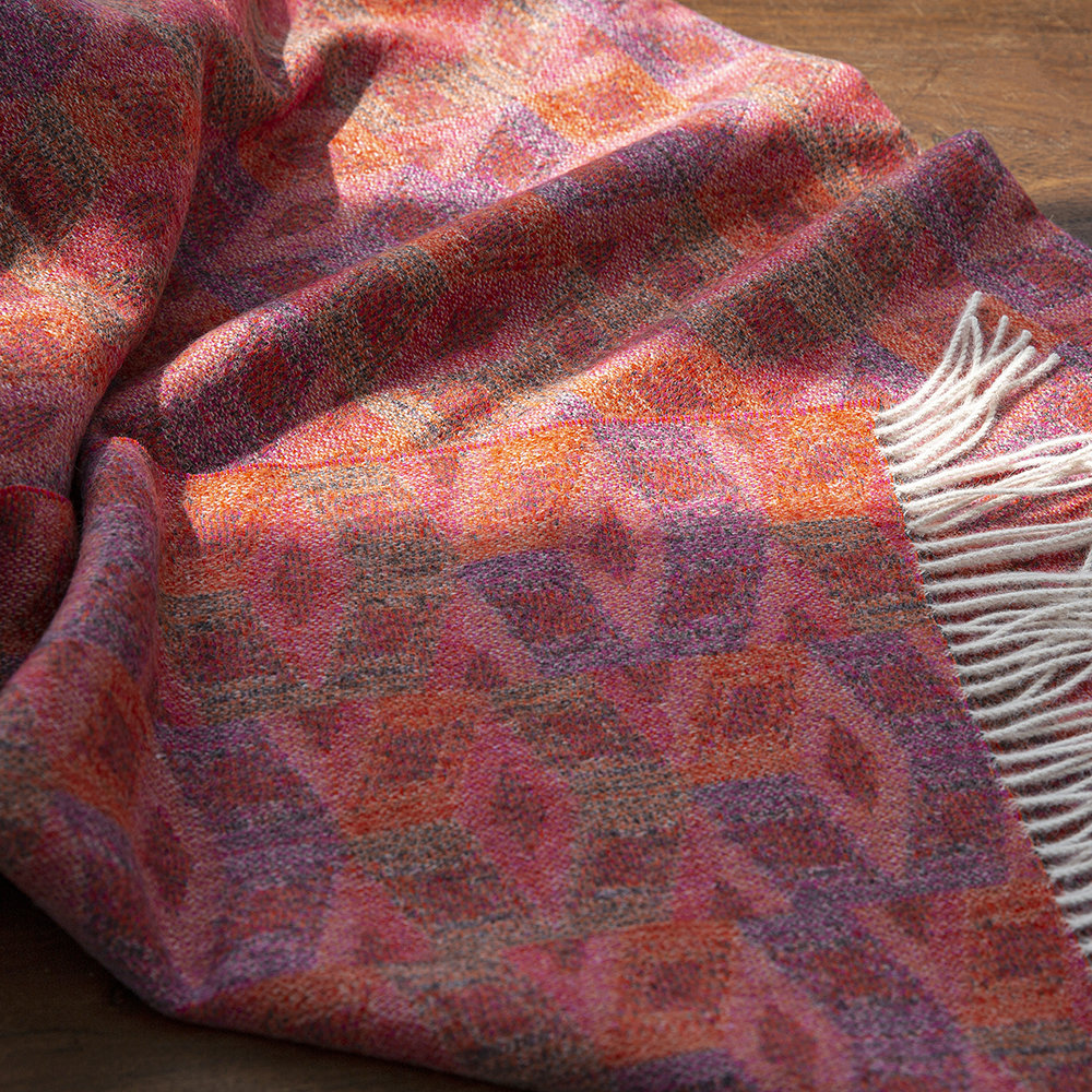 Simple Things - Baby Alpaca Throw - Cube - Multicolour