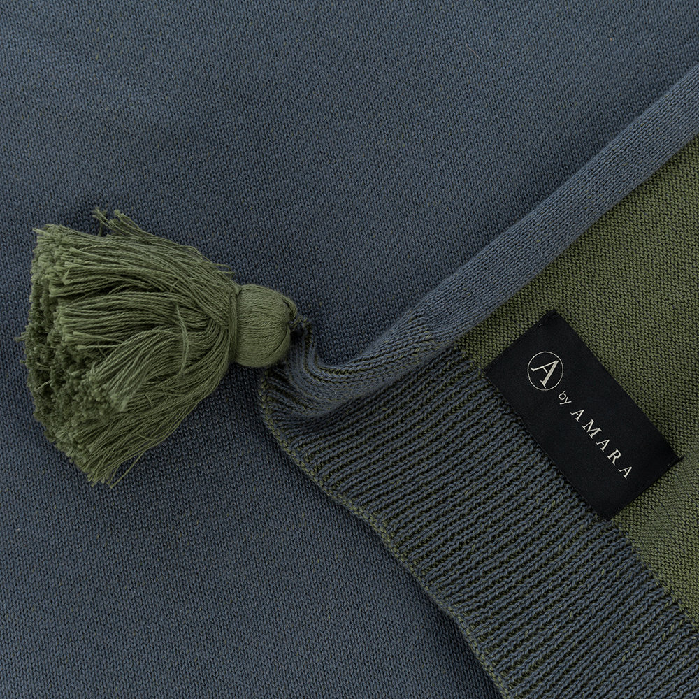A by AMARA - Pom Pom Knitted Throw - 130x170cm - Blue & Green