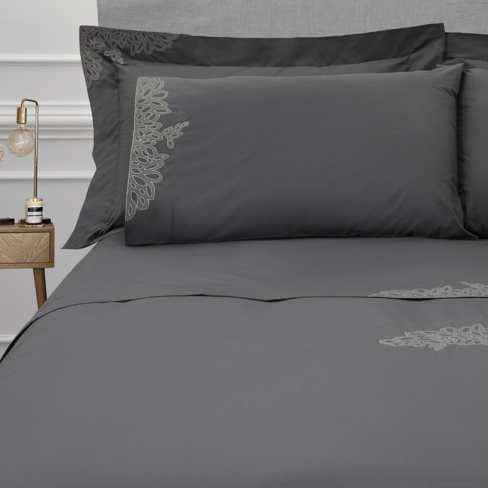 Reed Family Linen - Wallis Bed Set - Charcoal/Silver - Super King