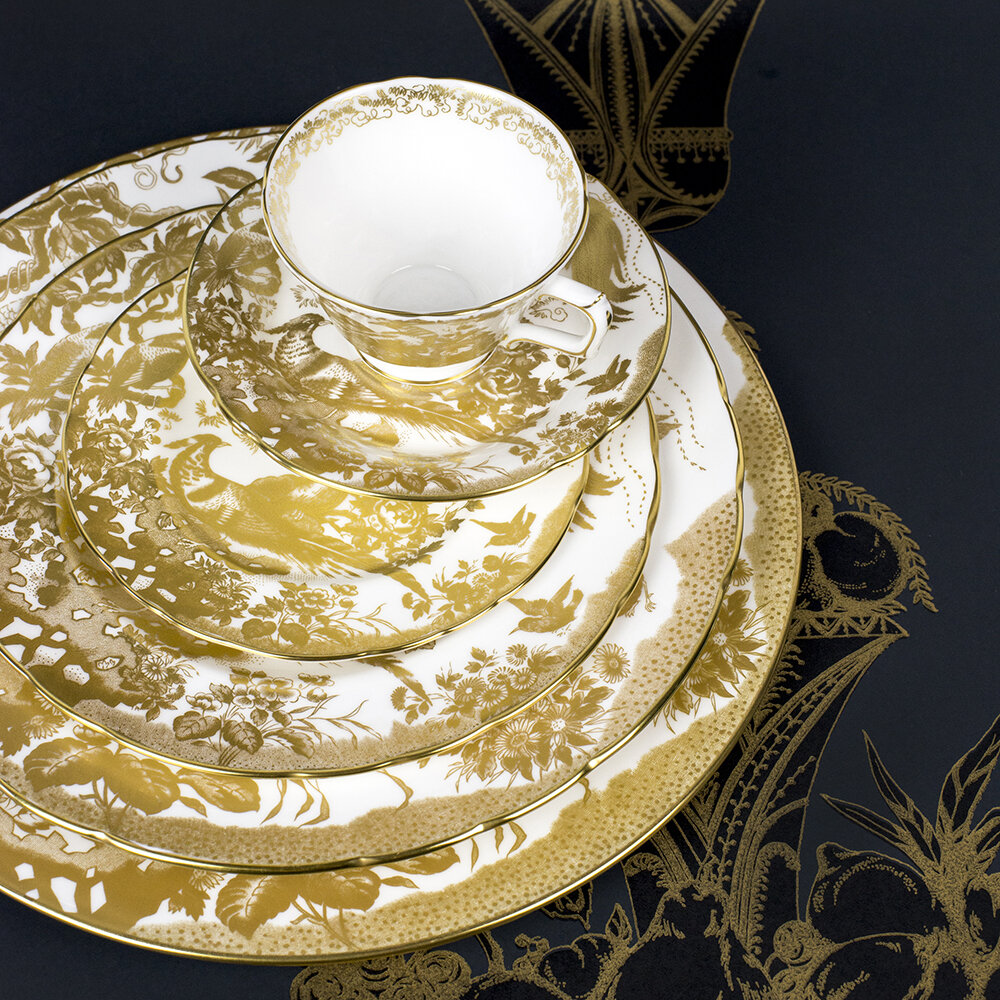 Royal Crown Derby - Aves Gold Saucer