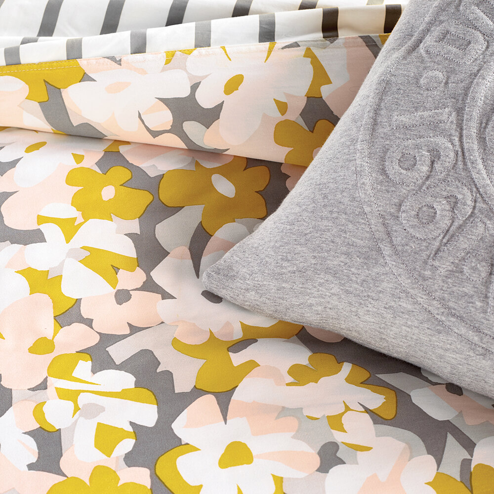 DKNY - Cutout Floral Quilt Cover - King