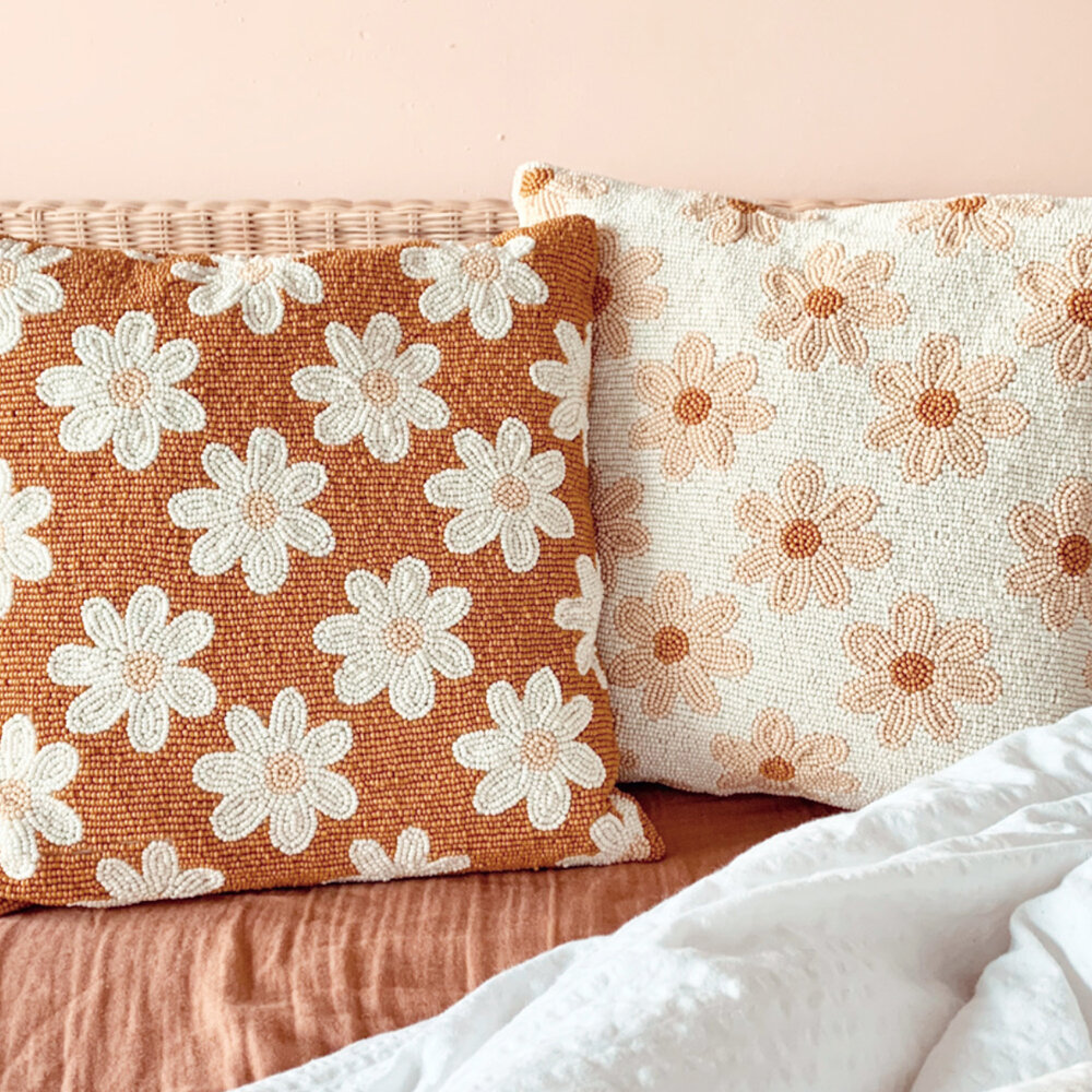 À la - Daisies Beaded Cushion - Crème