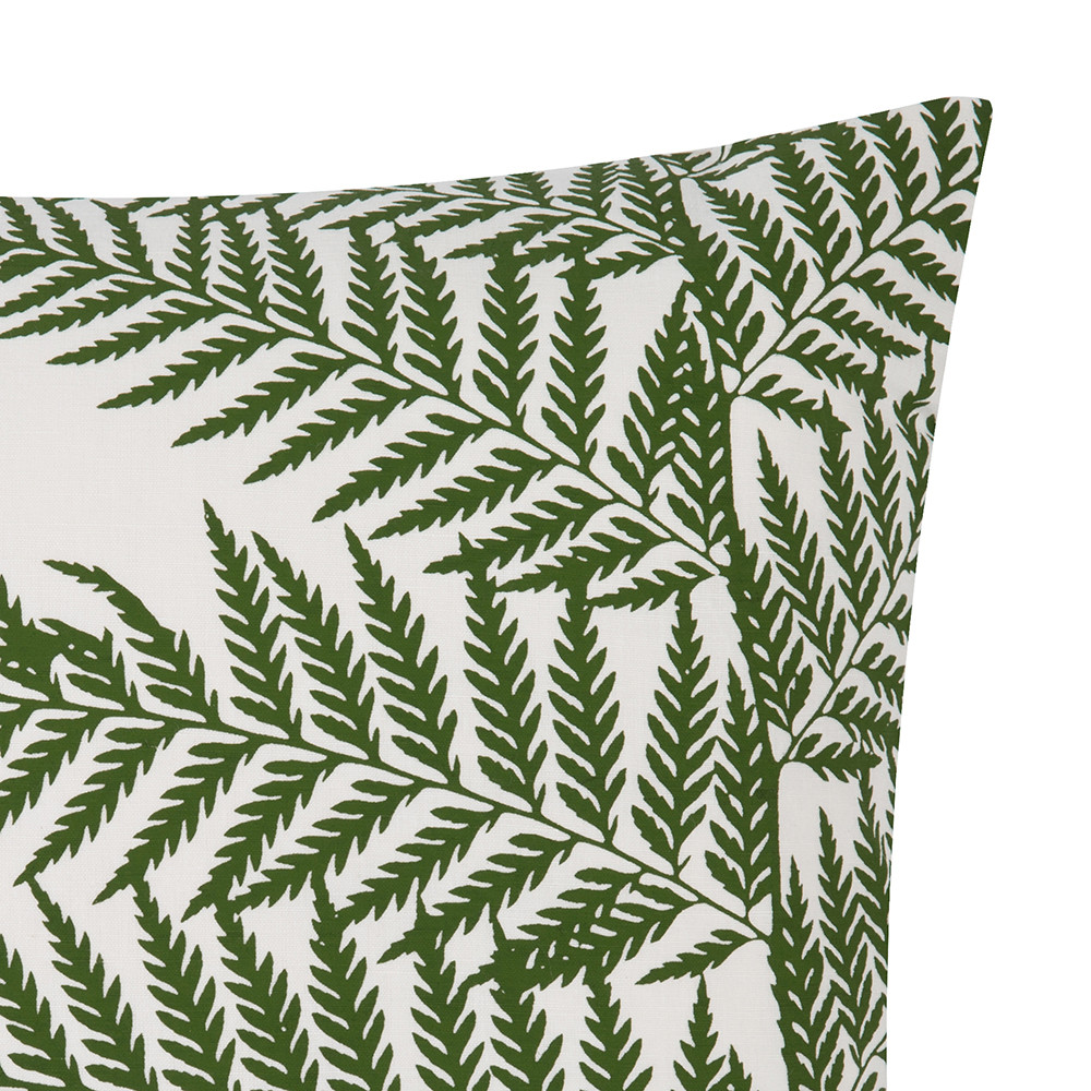 Clarissa Hulse - Lady Fern Pillow - 45x45cm - White/Olive