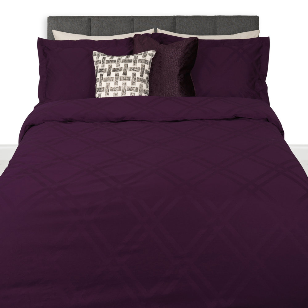 A by Amara  Wolf 300 Thread Count Duvet Cover  Double