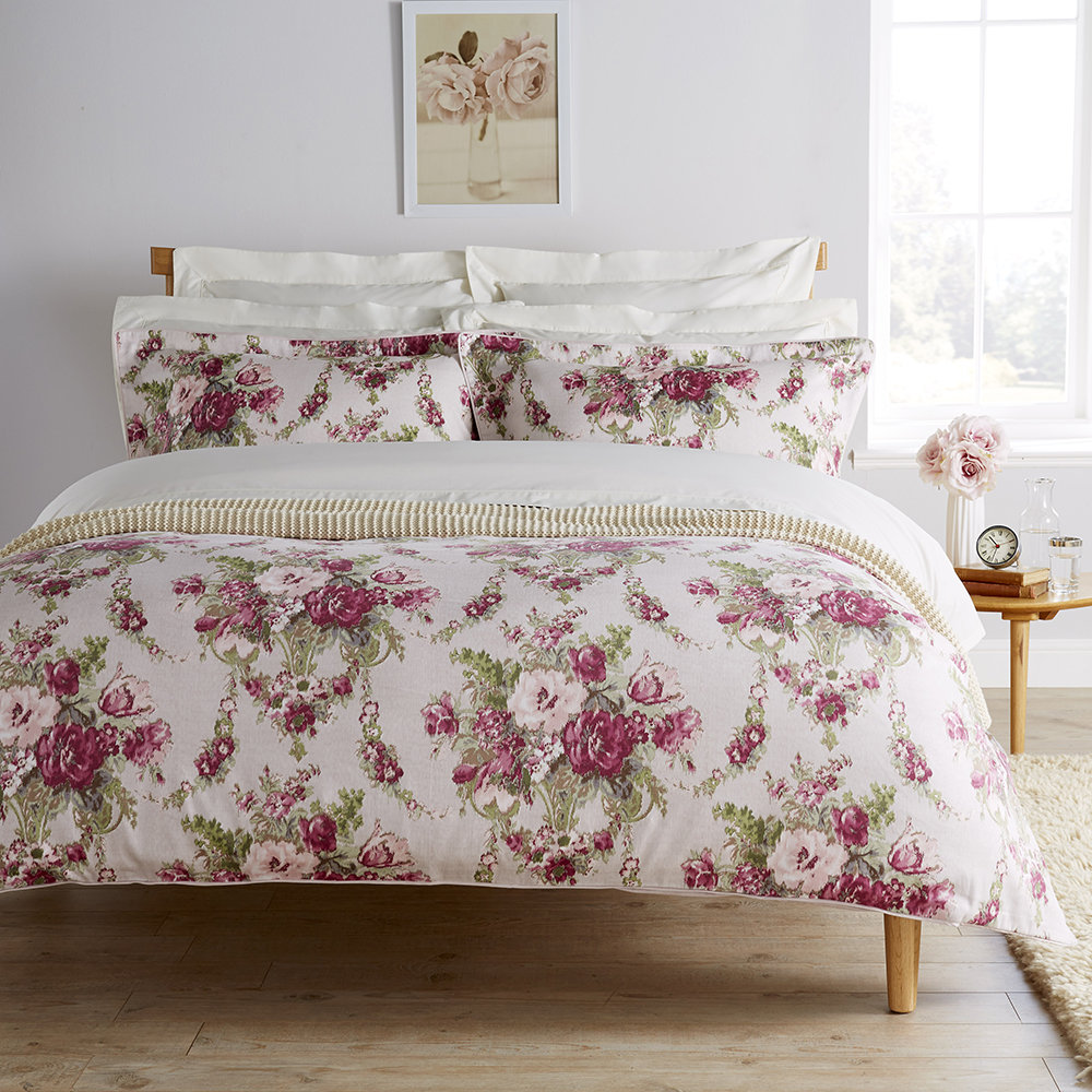 Christy  Tapestry Duvet Set  Mulberry  Double
