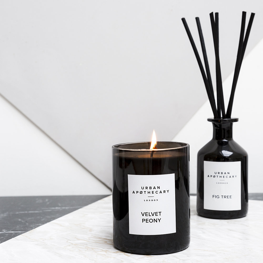 Urban Apothecary London - Luxury Reed Diffuser - Black Glass - Rose Voile