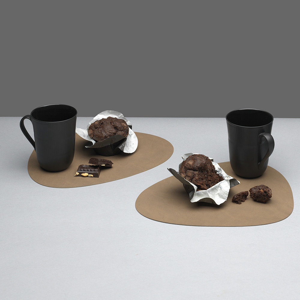 LIND DNA - Curve Table Mat - Brown - Small