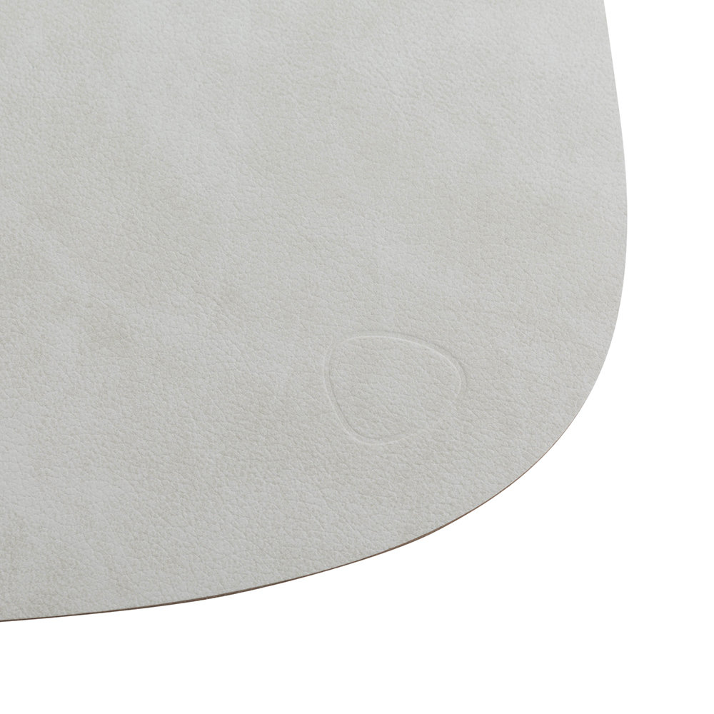 LIND DNA - Curve Table Mat - Metallic - Small