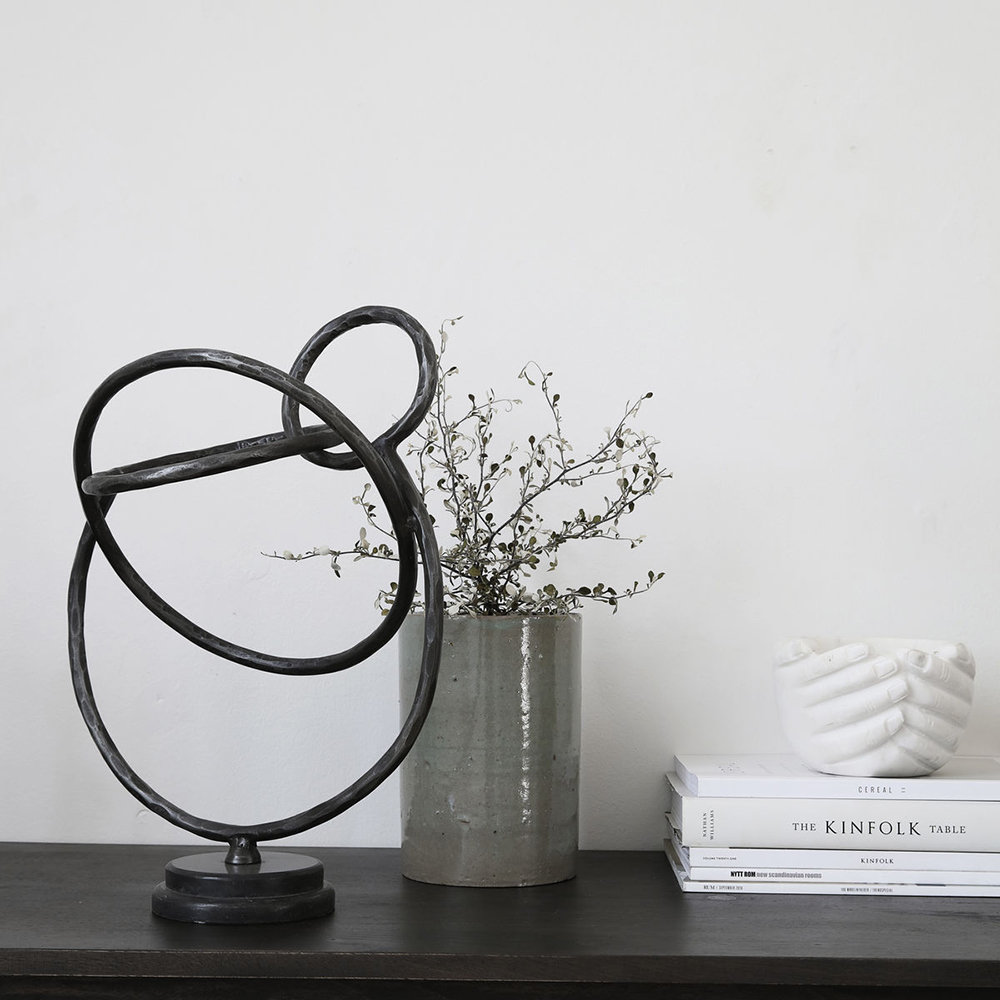 House Doctor - Circles Sculpture - Iron/Marble - Black