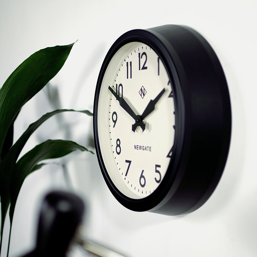 Buy Newgate Clocks 50s Electric Clock Matt Black White Dial Amara