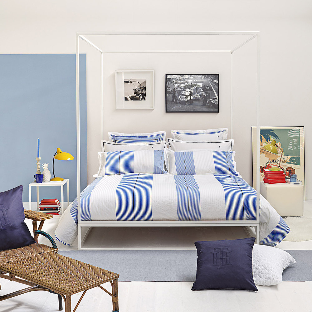 acheter tommy hilfiger housse de couette rayures blanc et bleu amara. Black Bedroom Furniture Sets. Home Design Ideas