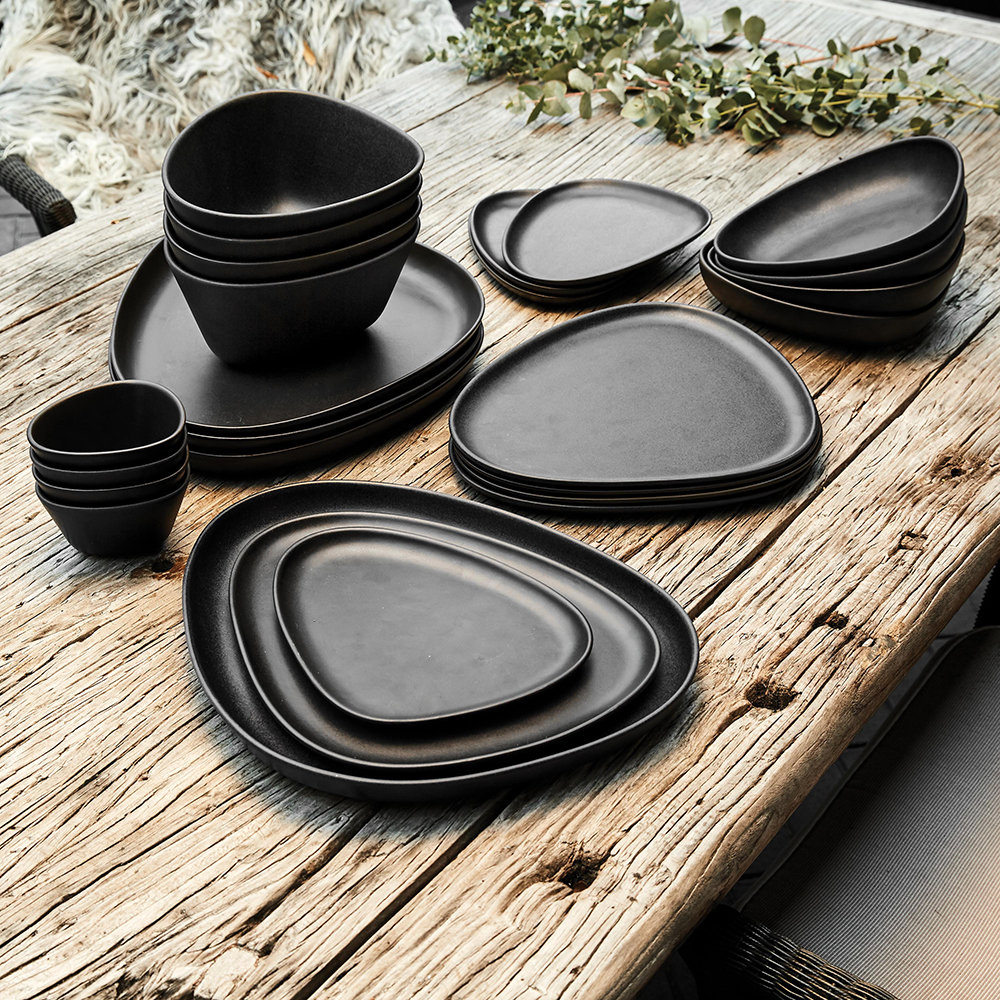 LIND DNA - Curve Stoneware Lunch Plate - Set of 2 - Black