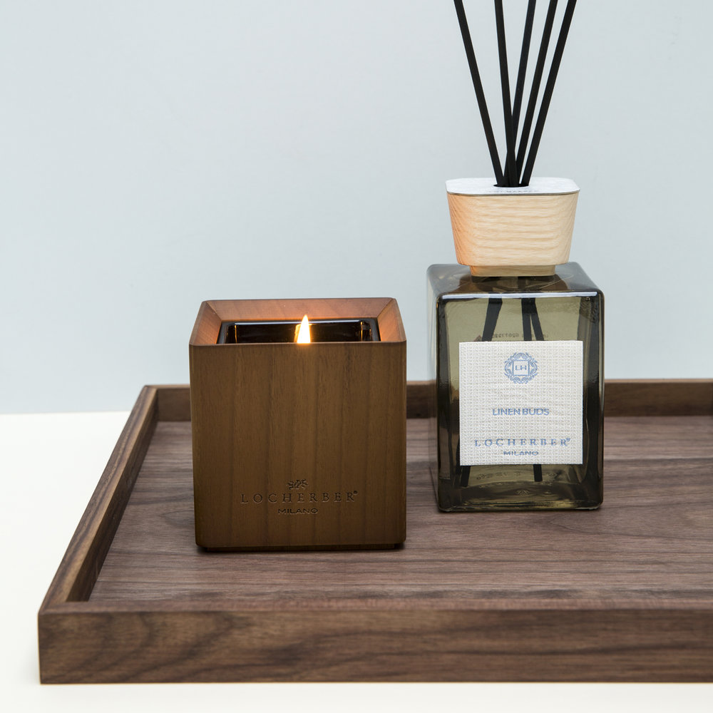 Locherber - Linen Buds Scented Candle & Canaletto Walnut Lid - 210g
