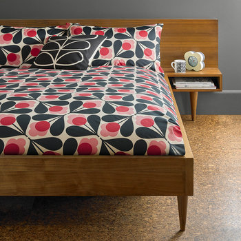 Sycamore Seed Quilt Cover - Fuchsia