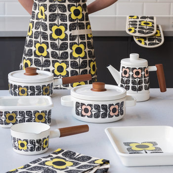 Scribble Square Flower Double Oven Mitts - Primrose