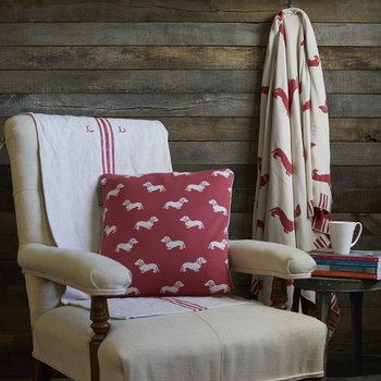 Knitted Dachshund Throw - Pink