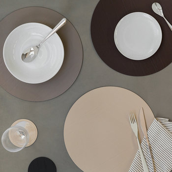 Round Leather Placemat - Natural