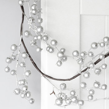 Scattered Berry Garland - Silver