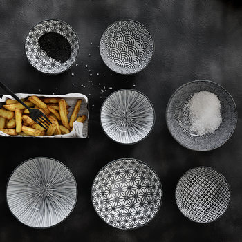 Nippon Black Pasta Plate - Wave
