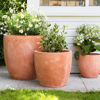 Round Clay Plant Pot - Set of 3 - Terracotta