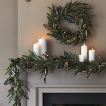 Gold Dusted Pine Cone & Feather Garland