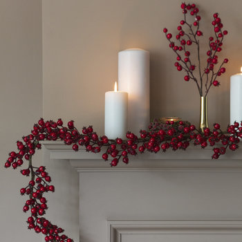 Shiny Red Berry Garland