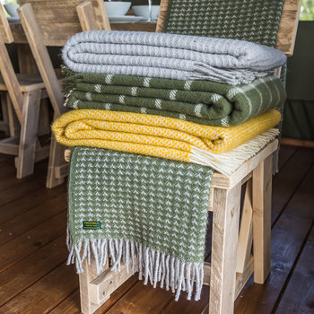 Pure New Wool Treetop Throw - Olive