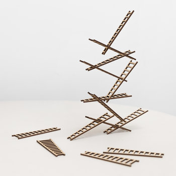 Las Escaleras Stacking Stairs Game