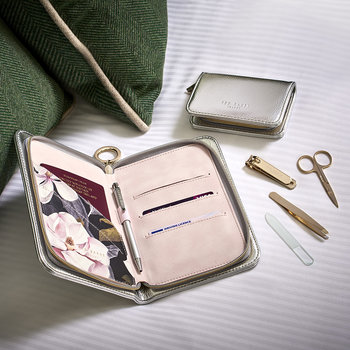 Metallic Travel Organizer - Silver