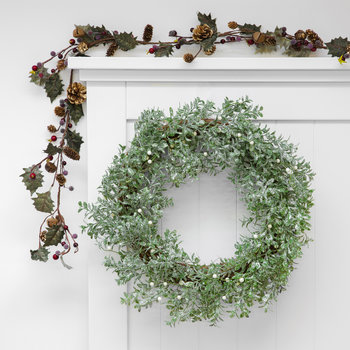 Glitter Leaf Wreath with Pearl Berries - Silver