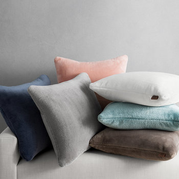 Whitecap Cushion - Quartz