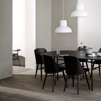 Snaregade Oval Dining Table - Black