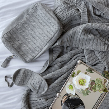 Cable Knit Eye Mask & Blanket Set - Light Grey