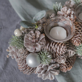 Frosted Pinecone & Pearl Berry Tealight Holder