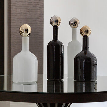 AMARA Exclusive Metallic Bubbles & Bottles - Black/White