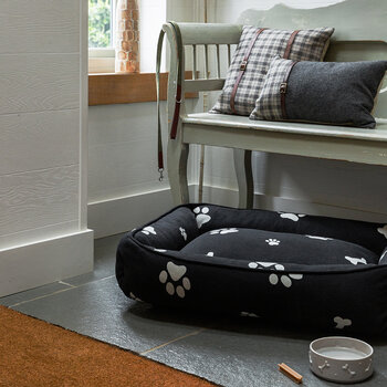 Pet Bed - Medium - Bones & Paws