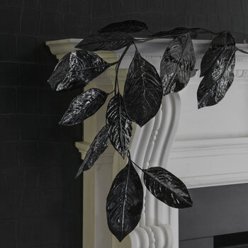 Magnolia Leaf Garland - Black