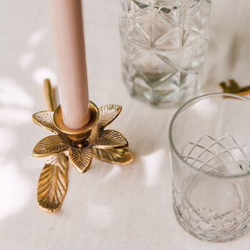 Flower Candle Holder with Leaf