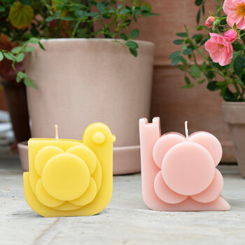 Hen Moulded Scented Candle