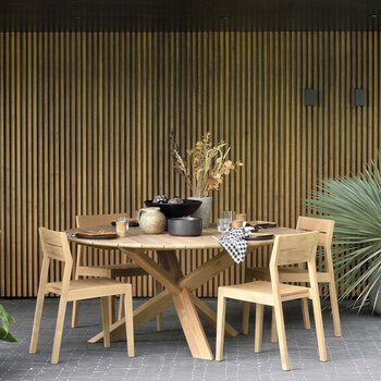 Circle Outdoor Dining Table - Oak