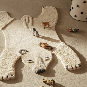 Animal Tufted Rug - Polar Bear - Off-White